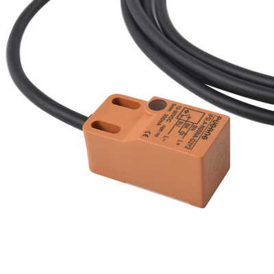 Pinhole IP 1.3 Megapixel / Ideal para Cajeros Automáticos / Lente 3.7 mm / WDR 120dB / HLC / Defog / PoE / MicroSD / 8 metros cable