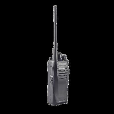 136-174 MHz 5 W, 16 Canales, 2 teclas programables, GPS, FleetSync, MIL-STD-810, Incluye antena, batería, cargador y clip.