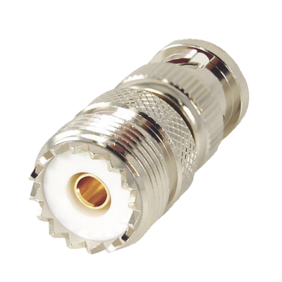 Adaptador en Linea para 50 Ohm, Conector BNC Macho-UHF Hembra (SO-239), Níquel/ Oro/ Delrin.