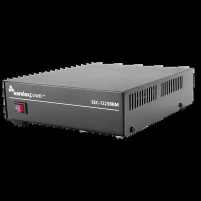 Fuente de poder 13.8V, 23A, conmutada con circuito cargador de baterías.