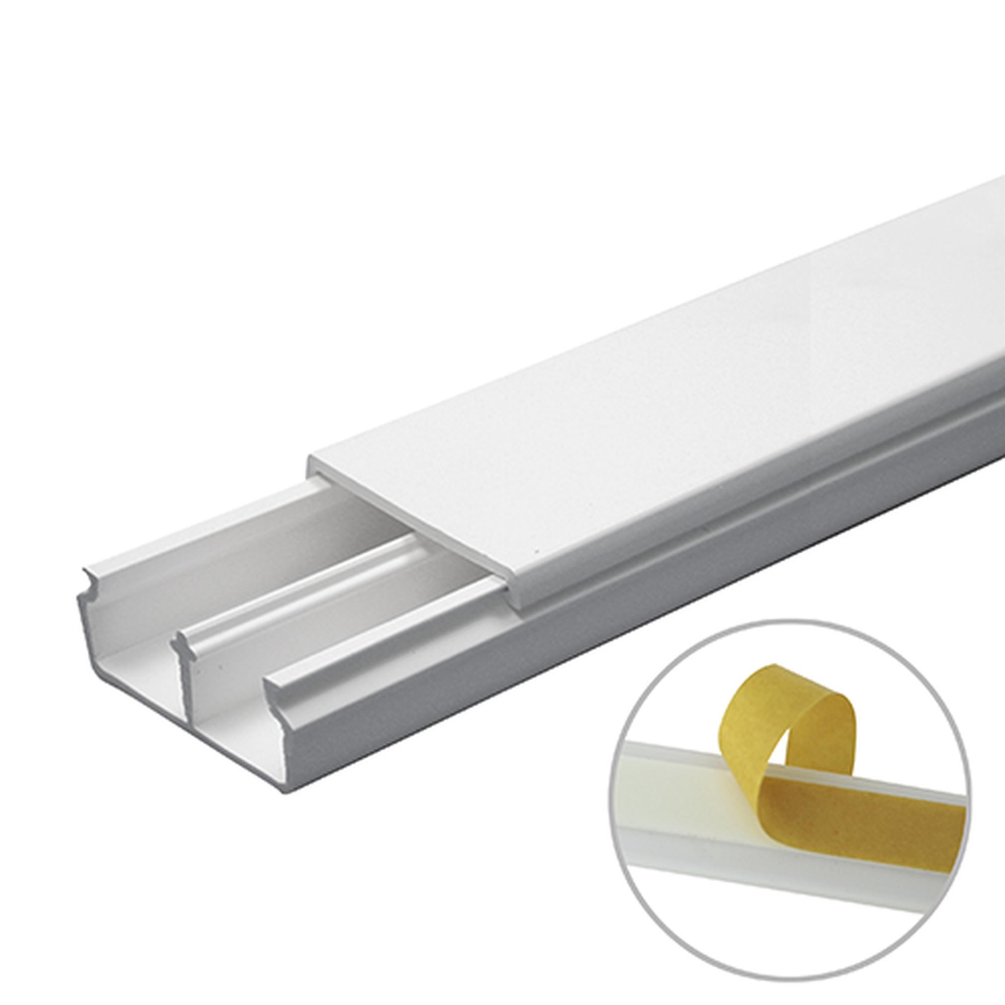 Canaleta en color blanco de PVC auto extinguible, con divisón 35 x 17, tramo de 6 pies, con cinta adhesiva (5301-21252)