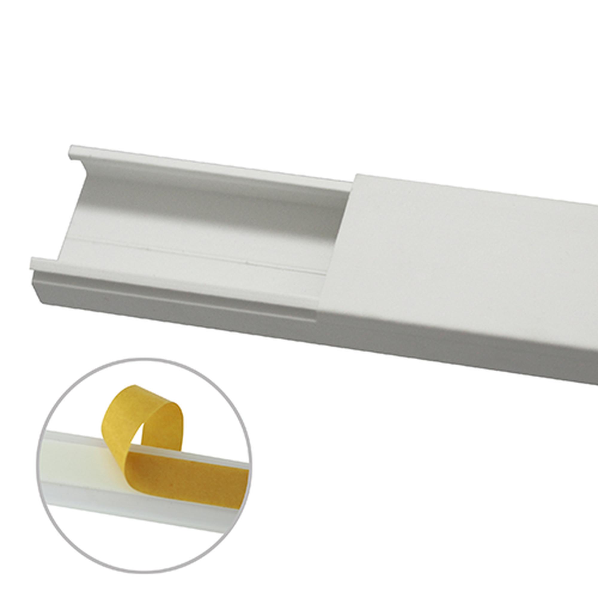 Canaleta en color blanco sin división, 35 x 17 mm tramo 6 pies, con cinta adhesiva (5301-21262)