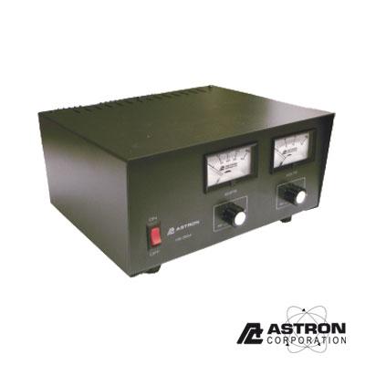 Fuente de poder 13.8Vcd, 35A, lineal, voltaje y corriente variable con medidores
