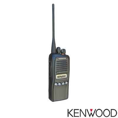 Radio KENWOOD 450-520 Mhz, 512 Canales, 5 W. Requiere antena, batería y cargador.
