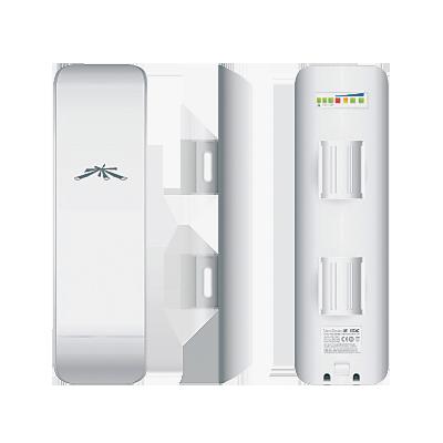 NanoStation M2 AirMax con antena de panel de 11 dBi, 802.11 b-g-n (2.4 GHz).