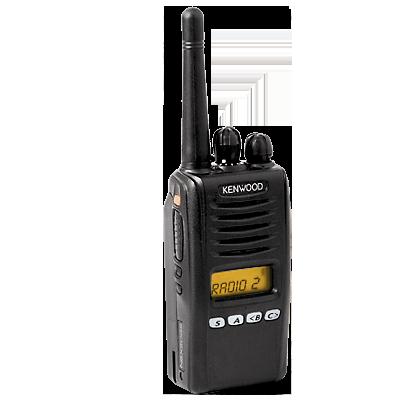 Digital, FM y Mezclado, 5 Watts, VHF 136-174 MHz, 260 canales, con pantalla de 8 caracteres y 4 teclas frontales programables