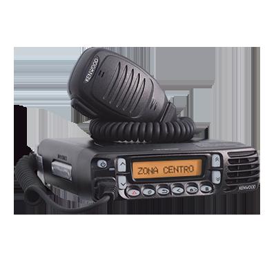 Radio móvil UHF, 400-470 MHz, 45 W, 512 canales, opera en modo digital y FM analógico