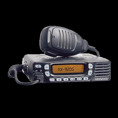 Radio móvil 806 - 870 MHz, 260 canales (128 zonas), 15 W de potencia